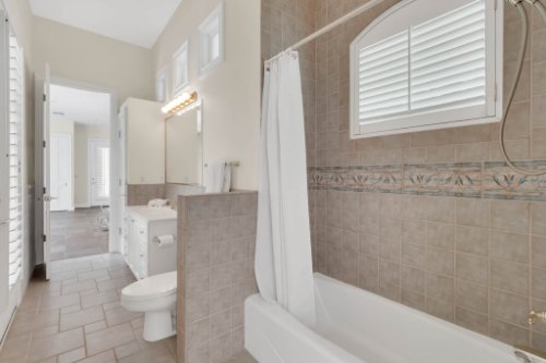 9400-Sloane-St--Orlando--FL-32827----39---Bathroom.jpg