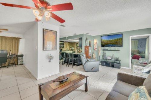 2805-Jessup-Ave--Kissimmee--FL-34744----04---Family-Room.jpg