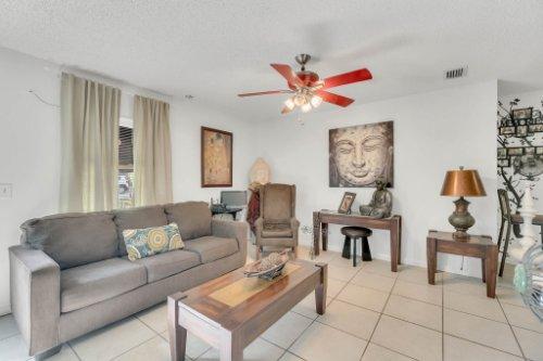 2805-Jessup-Ave--Kissimmee--FL-34744----06---Family-Room.jpg