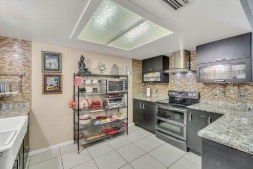 2805-Jessup-Ave--Kissimmee--FL-34744----16---Kitchen.jpg