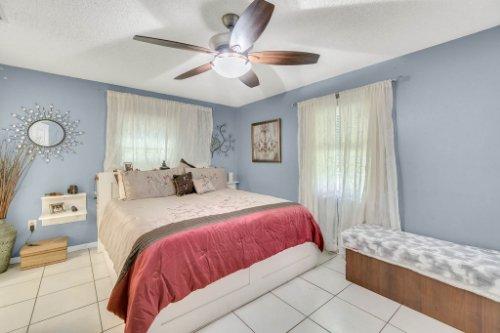 2805-Jessup-Ave--Kissimmee--FL-34744----23---Master-Bedroom.jpg