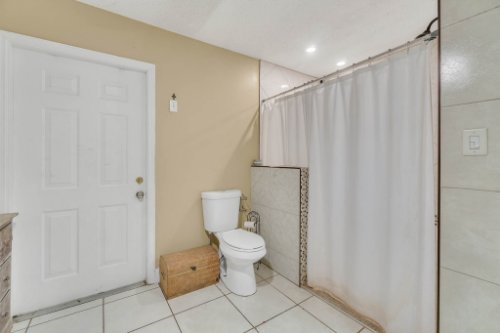 2805-Jessup-Ave--Kissimmee--FL-34744----26---Master-Bathroom.jpg