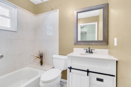 2805-Jessup-Ave--Kissimmee--FL-34744----28---Bathroom.jpg