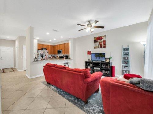 12861-Tanja-King-Blvd--Orlando--FL-32828----05---family-Room.jpg
