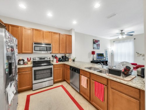 12861-Tanja-King-Blvd--Orlando--FL-32828----15---Kitchen.jpg