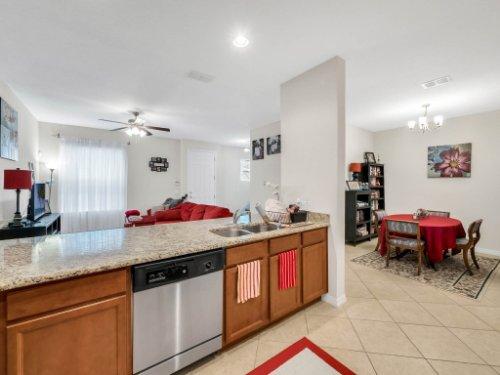 12861-Tanja-King-Blvd--Orlando--FL-32828----16---Kitchen.jpg