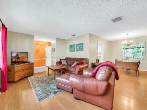 617-Camden-Rd--Altamonte-Springs--FL-32714----05---Living.jpg