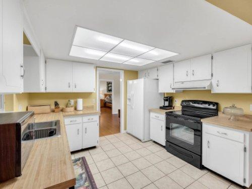 617-Camden-Rd--Altamonte-Springs--FL-32714----18---Kitchen.jpg