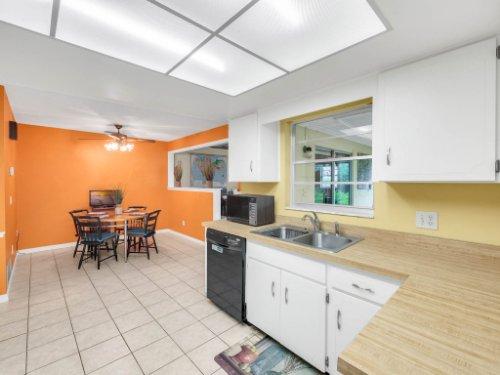 617-Camden-Rd--Altamonte-Springs--FL-32714----19---Kitchen.jpg