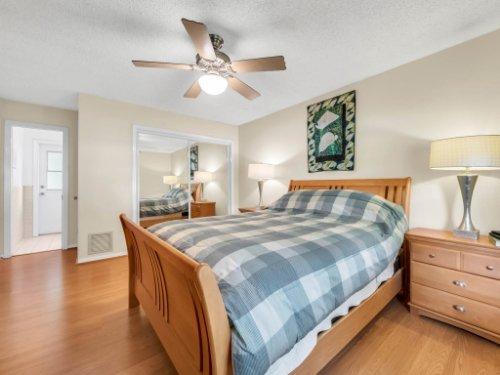 617-Camden-Rd--Altamonte-Springs--FL-32714----22---Master-Bedroom.jpg