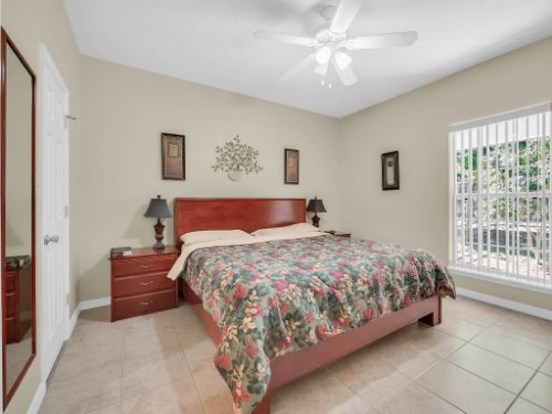 813-E-10th-St--Apopka--FL-32703----15---Master-Bedroom.jpg