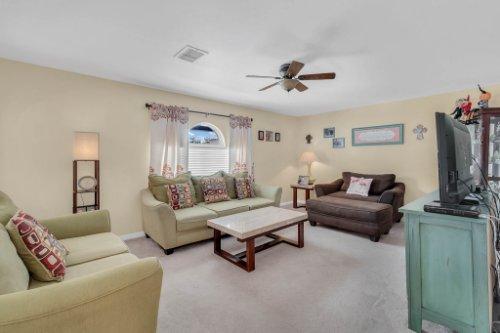 117-Royalty-Cir--Sanford--FL-32771----08---Family-Room.jpg