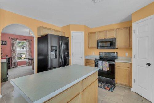 117-Royalty-Cir--Sanford--FL-32771----13---Kitchen.jpg