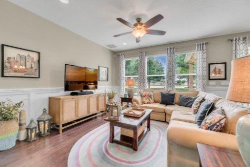 132-Magneta-Loop--Auburndale--FL-33823----14---Family-Room.jpg