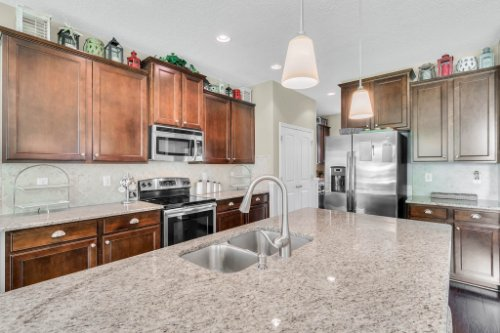 132-Magneta-Loop--Auburndale--FL-33823----19---Kitchen.jpg