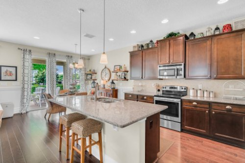 132-Magneta-Loop--Auburndale--FL-33823----20---Kitchen.jpg