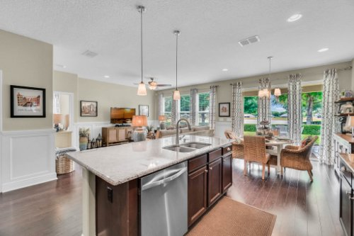 132-Magneta-Loop--Auburndale--FL-33823----22---Kitchen.jpg