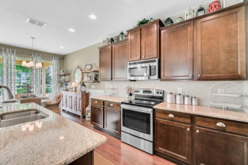 132-Magneta-Loop--Auburndale--FL-33823----23---Kitchen.jpg