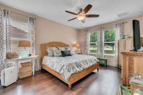 132-Magneta-Loop--Auburndale--FL-33823----24---Master-Bedroom.jpg