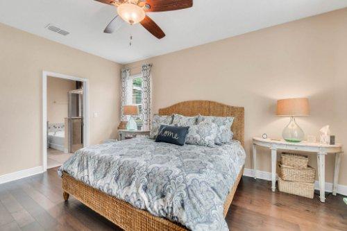 132-Magneta-Loop--Auburndale--FL-33823----25---Master-Bedroom.jpg