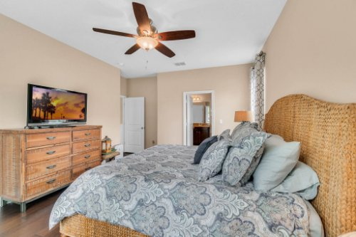 132-Magneta-Loop--Auburndale--FL-33823----26---Master-Bedroom.jpg