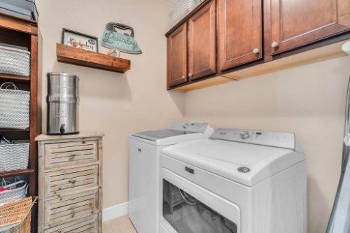 132-Magneta-Loop--Auburndale--FL-33823----33---Laundry.jpg