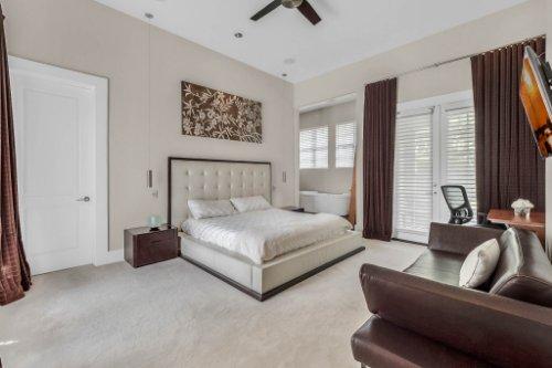 9743-covent-garden-dr--orlando--fl-32827----25---master-bedroom.jpg