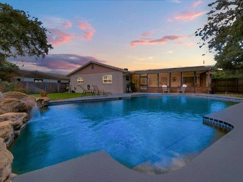 full-size-13281-206-harrogate-place--longwood--fl-32779----04-7652713-twilight.jpg