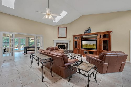 5219-Fawnway-Ct--Orlando--FL-32819----09---Family-Room.jpg