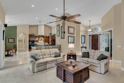 7919-Florida-Boys-Ranch-Rd--Groveland--FL-34736----08---Family-Room.jpg