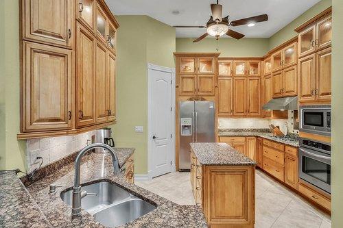 330-Highcroft-Ct--Lake-Mary--FL-32746----20---Kitchen.jpg
