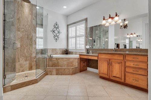 330-Highcroft-Ct--Lake-Mary--FL-32746----27---Master-Bathroom.jpg