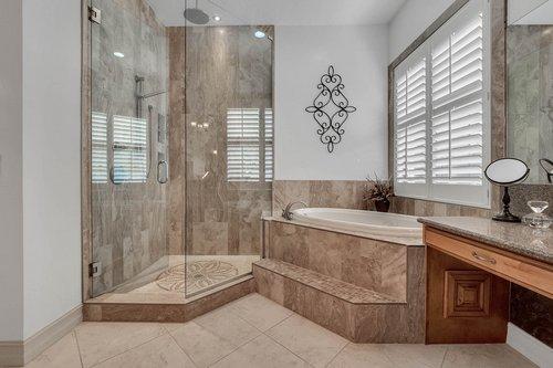 330-Highcroft-Ct--Lake-Mary--FL-32746----29---Master-Bathroom.jpg