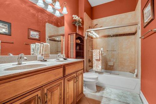 330-Highcroft-Ct--Lake-Mary--FL-32746----31---Bathroom.jpg