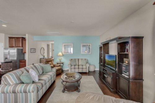 10111-SW-76th-Ln--Ocala--FL-34481----09---Family-Room.jpg