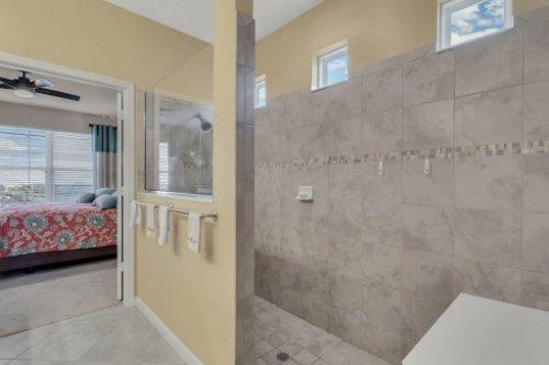10111-SW-76th-Ln--Ocala--FL-34481----24---Master-Bathroom.jpg