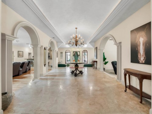 2775-Marsh-Wren-Cir--Longwood--FL-32779----06---Foyer---Reshoot.jpg