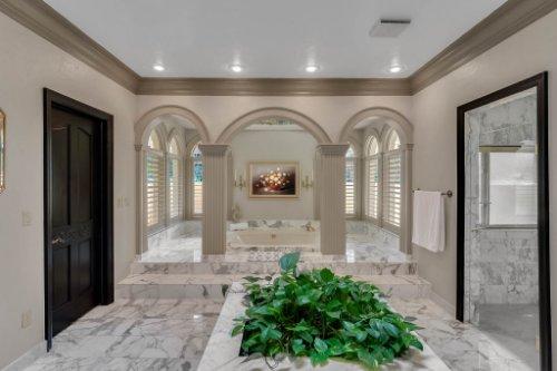 2775-Marsh-Wren-Cir--Longwood--FL-32779----34---Master-Bathroom.jpg