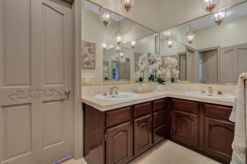 2775-Marsh-Wren-Cir--Longwood--FL-32779----39---Bathroom.jpg