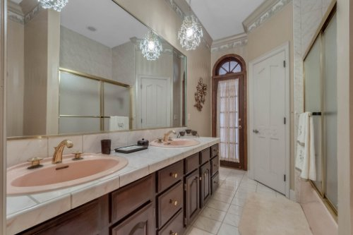 2775-Marsh-Wren-Cir--Longwood--FL-32779----40---Bathroom.jpg