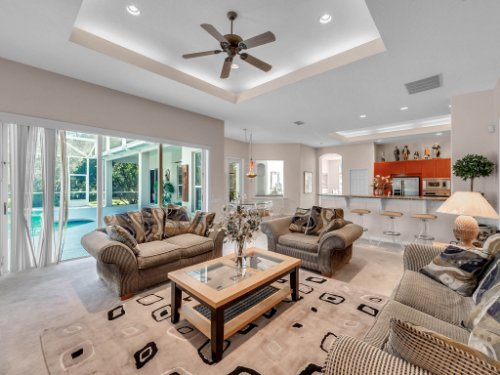 8190-Lake-Ross-Ln--Sanford--FL-32771----12---Family-Room.jpg