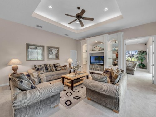 8190-Lake-Ross-Ln--Sanford--FL-32771----14---Family-Room.jpg