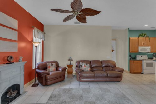 7984-Sea-Pearl-Cir--Kissimmee--FL-34747----13---Family-Room.jpg