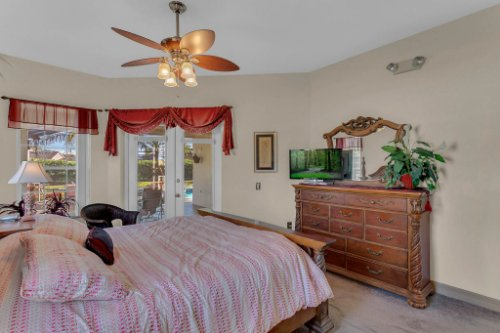 7984-Sea-Pearl-Cir--Kissimmee--FL-34747----18---Master-Bedroom.jpg