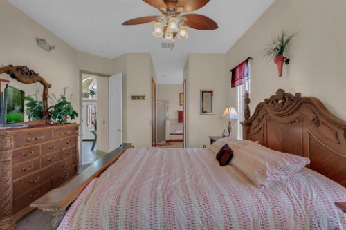 7984-Sea-Pearl-Cir--Kissimmee--FL-34747----19---Master-Bedroom.jpg