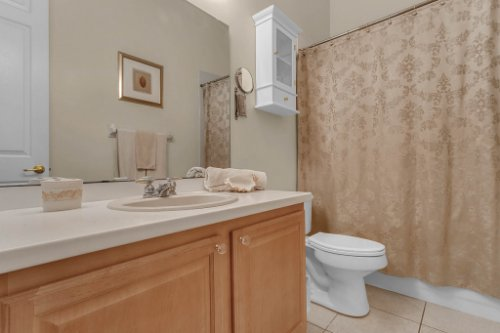 7984-Sea-Pearl-Cir--Kissimmee--FL-34747----25---Bathroom.jpg