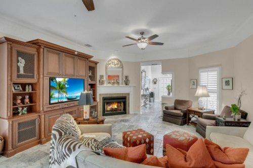 2706-Chambray-Ln.-Tampa--FL-33611--06--Living-Room-1----2.jpg