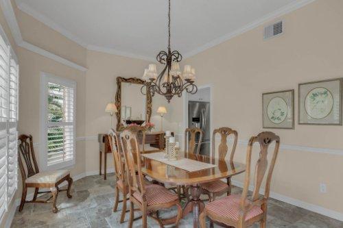 2706-Chambray-Ln.-Tampa--FL-33611--11--Dining-Room-1---3.jpg