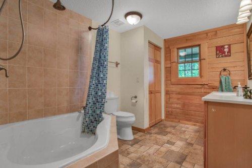 38726-Sulen-Rd--Lady-Lake--FL-32159----20---Master-Bathroom.jpg