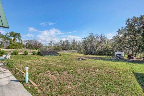 38726-Sulen-Rd--Lady-Lake--FL-32159----27---Backyard.jpg